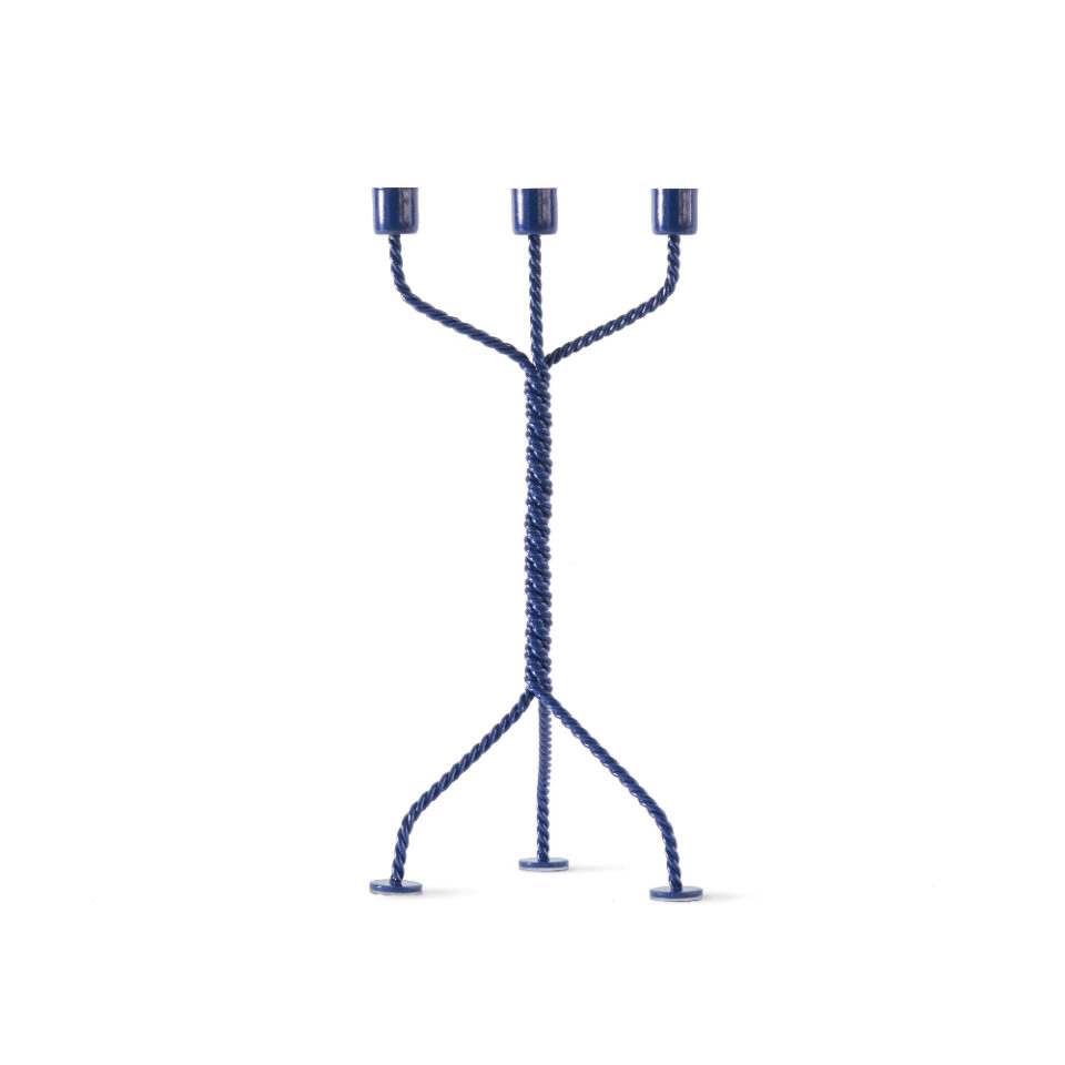 TC003_Werkwaardig_twistedcandleholder_blue_front_low2